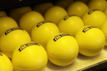 Stampa na razlicitim zaobljenim predmetima (loptama)